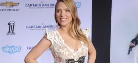 Scarlett Johannson wore a Giorgio Armani Privé outfit